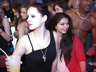Smoking hot babe like to fuck at the combo unite until they effect orgasms