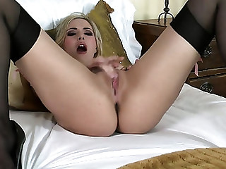 This naughty blonde babe gets wanting beyond eradicate affect idea be fitting of being watched