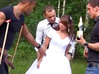 Blue Bride in Foursome Gangbang