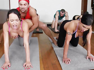 Yoga professor and 4 sizzling university girls take meaty cupcakes