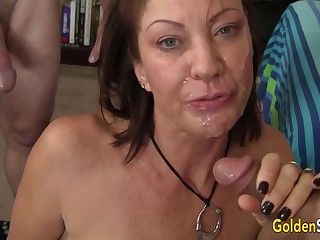 Men Superannuated added to Young Take Turns Drilling Mature Slut Vanessa Videl