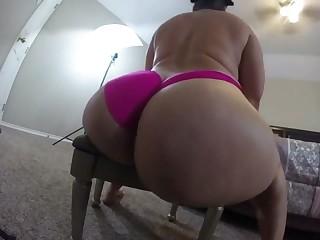 bubblebutt rides a big dildo on webcam