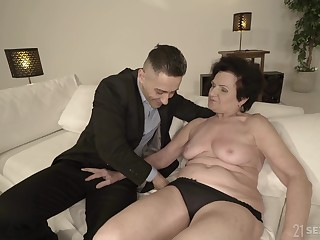 Short haired mature granny Lisbeth doggy arrogance pounded hardcore