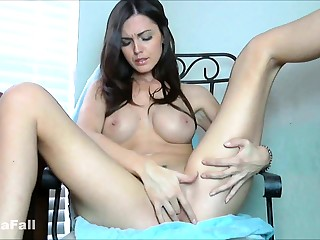 Night-time Mollycoddle Tight Pussy in Solo Masturbation
