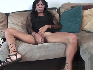 Trans second-rate wanking during casting