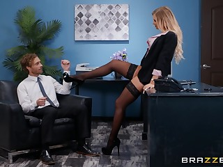 Prex tryst secretary Alison Avery gets her pretty face covered in cum
