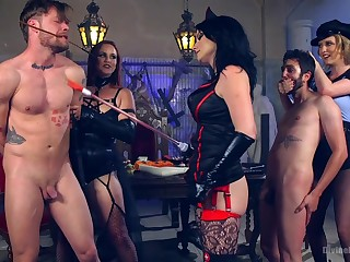 Dominant Bella Rossi wants with regard to show with regard to say no to lover what is a BDSM sex game