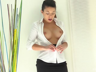 Persiflage brunette Nikko gets naked and drills their way juicy pussy