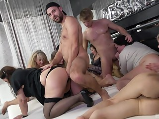 Libidinous pleasures in group orgy be fitting of the thick ass matures